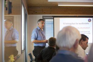 Christian Kirkegaard, direktør i Danske Medier og medlem af Medienævnet, holdt oplæg om hvorfor støtten bliver fordelt som den gør. Foto: Claus Haagensen