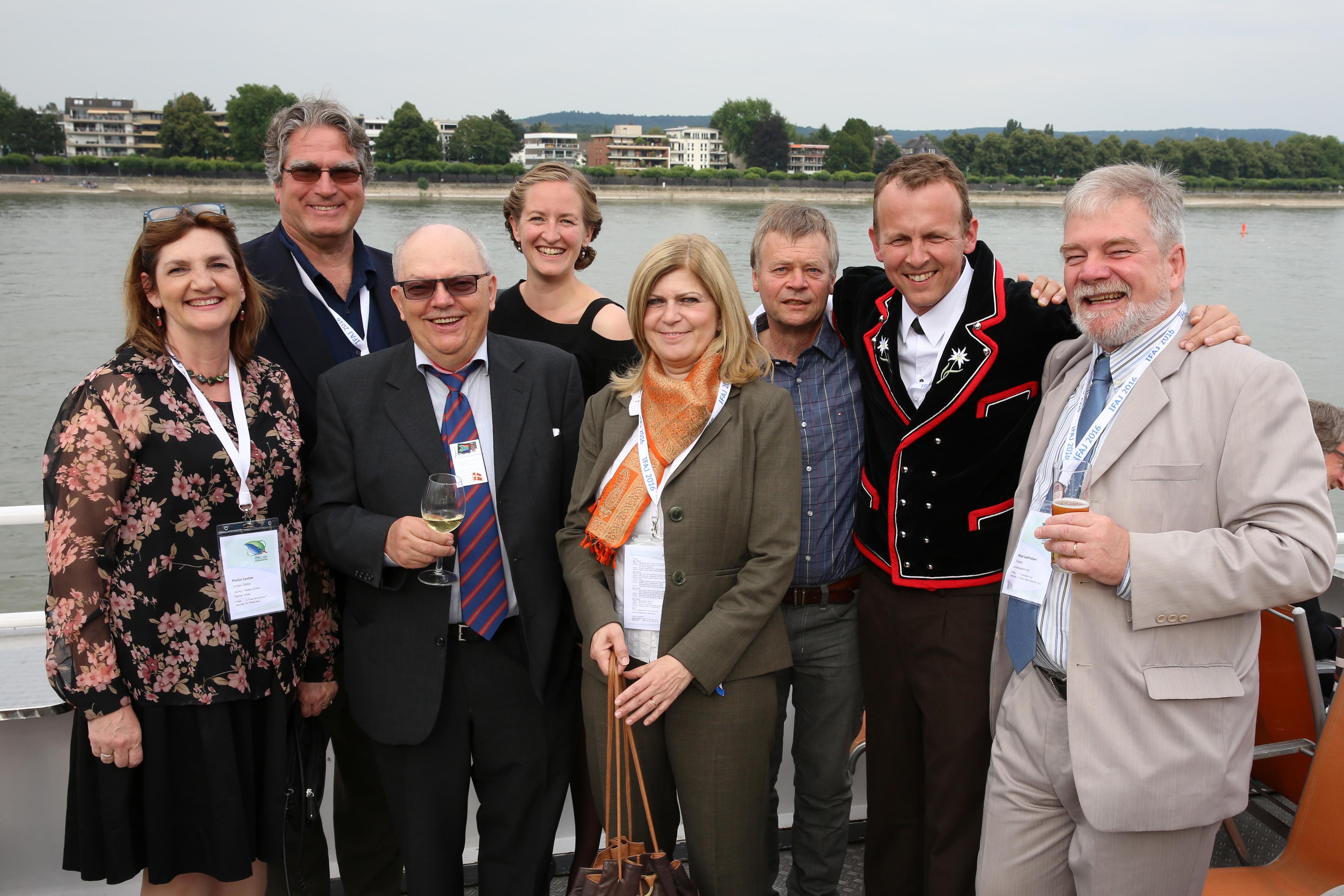 De Dansk-talende Journalister Fotograferet På MS Rheingold Af Martina Goyert.