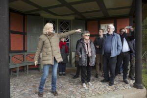 Susanne Vind fortalte engageret om Den Romantiske Have og dens pavilloner. Foto: Claus Haagensen