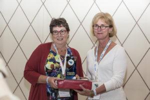 Laura Rance måtte op på endnu en sejrsskammel som vinder af IFAJ 2016 Star Prize for samme artikel, der vandt FAO-konkurrencen.
